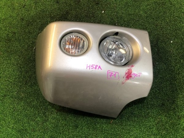 Клык бампера Mitsubishi Pajero Mini H58A правый (б/у)