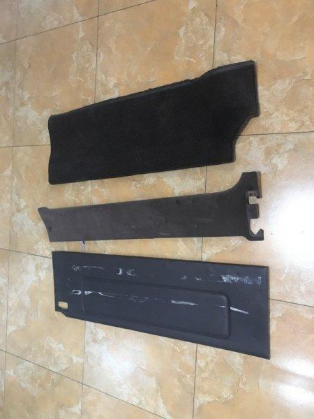 Обшивка дверей Toyota Hiace KZH106 задняя левая (б/у)
