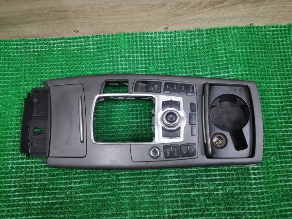 Консоль кпп Audi A6 C6 AUK 3.2 (б/у)