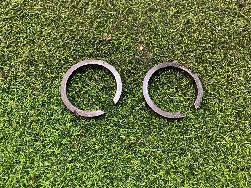 Кольца стопорные Toyota Hilux LN106 3L (б/у)