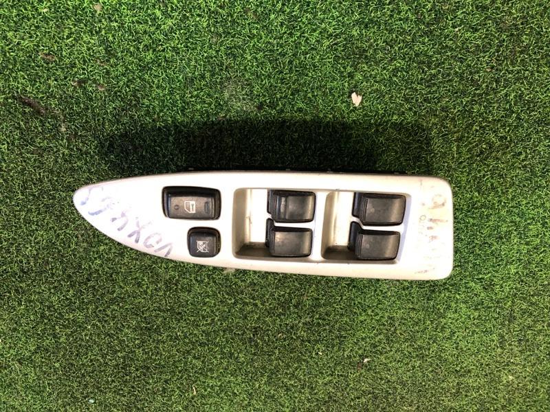 Пульт стеклоподъемника Toyota Voxy AZR60 передний правый (б/у)