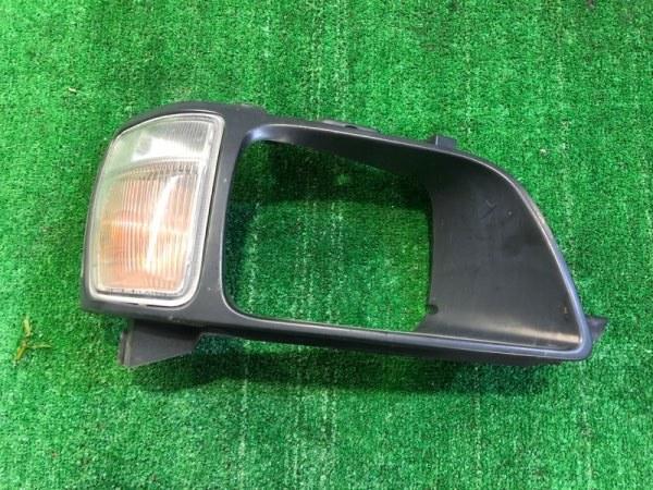 Очки с габаритом Toyota Noah CR52 правые (б/у)