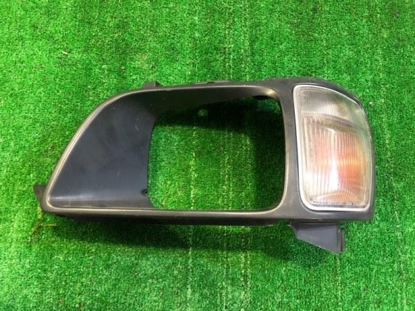 Очки с габаритом Toyota Noah CR52 левые (б/у)