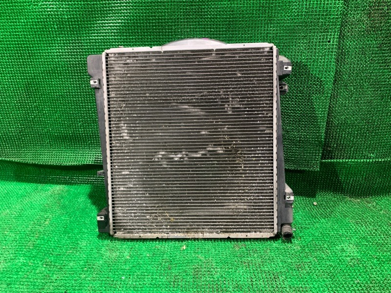 Радиатор Ford Explorer 3 U152 MODULAR V8 (б/у)
