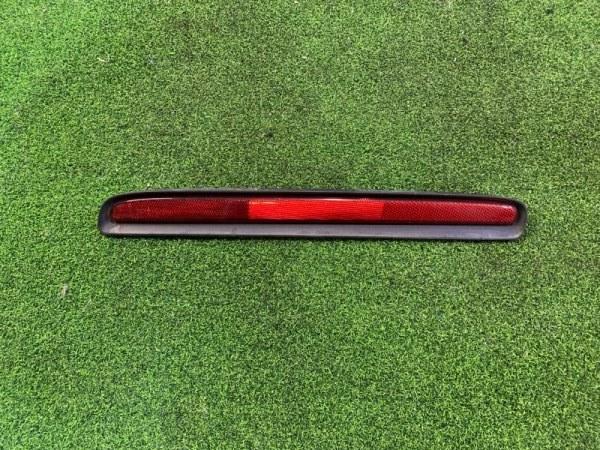 Катафот в бампер Mazda Biante CCAEW левый (б/у)
