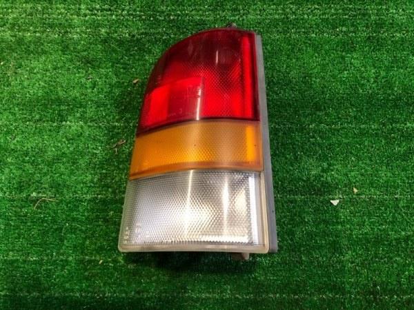 Стоп сигнал Nissan Ad Y10 правый (б/у)