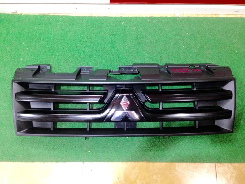 Решетка Mitsubishi Pajero V93W (б/у)