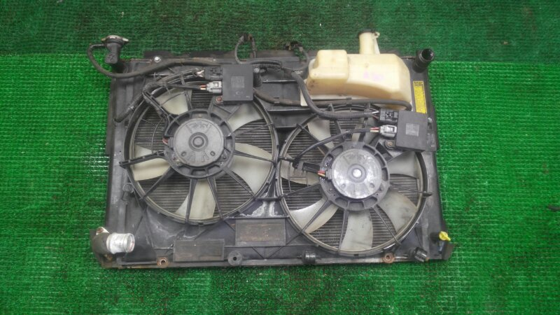 Радиатор Toyota Kluger MHU28 3MZ-FE 2005 (б/у)