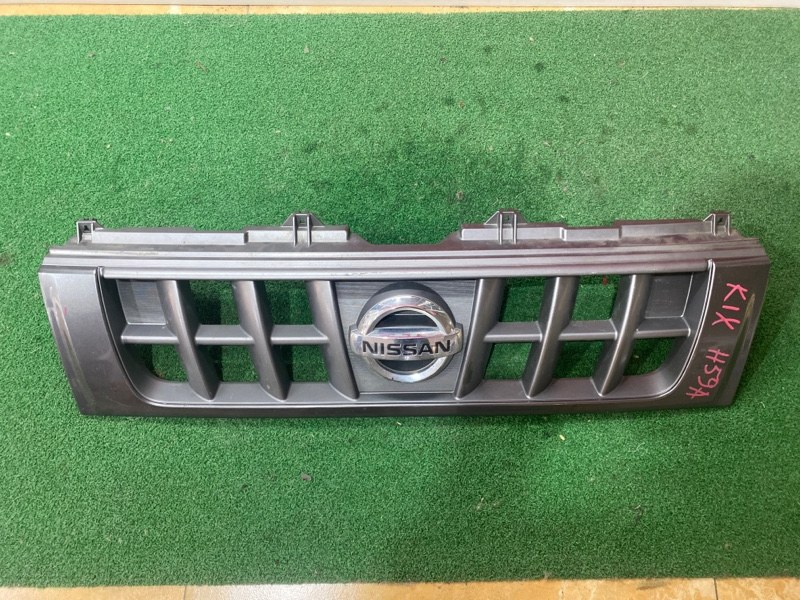 Решетка Nissan Kix H59A (б/у)