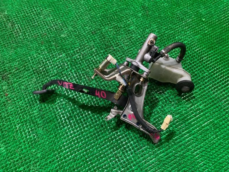Педаль сцепления Toyota Vitz NCP10 1NZ-FE (б/у)