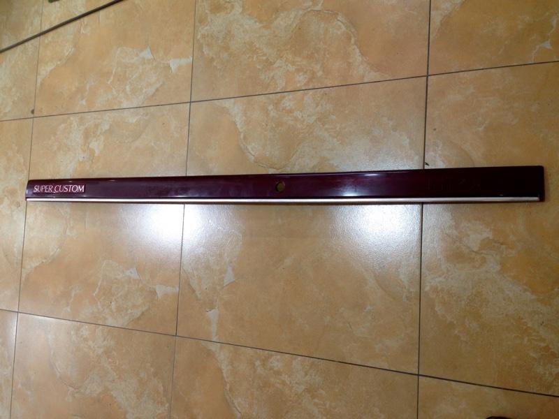 Планка задняя Toyota Hiace LH106 (б/у)