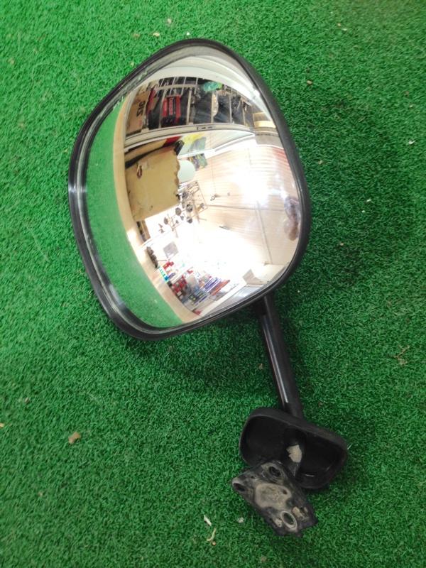 Зеркало с пятой двери Toyota Hiace LH178 (б/у)