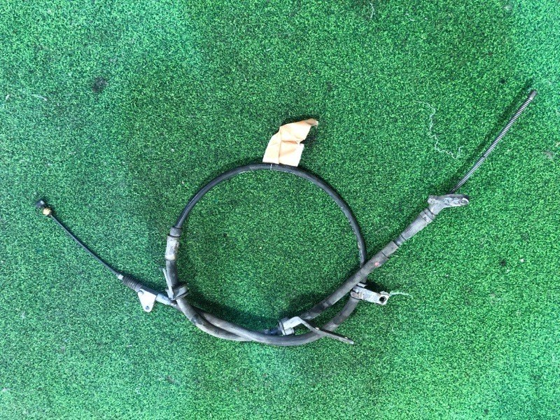 Тросик ручника Toyota Caldina ST215 правый (б/у)