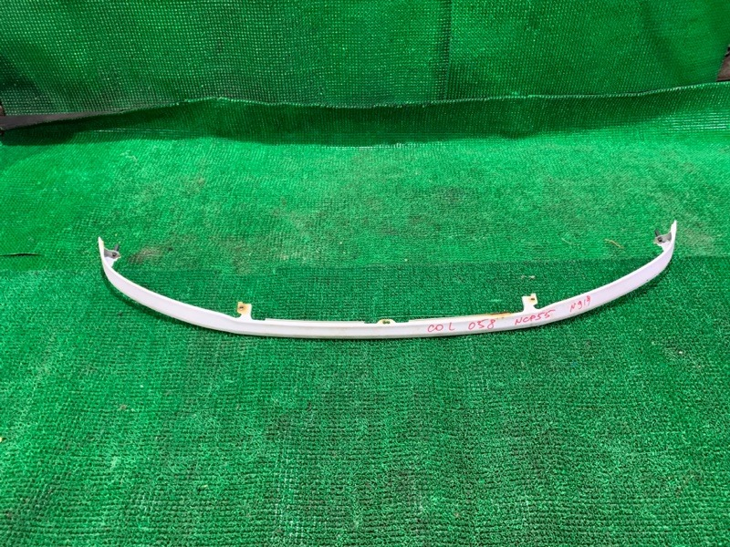 Планка под фары Toyota Probox NCP55 1NZ-FE передняя (б/у)
