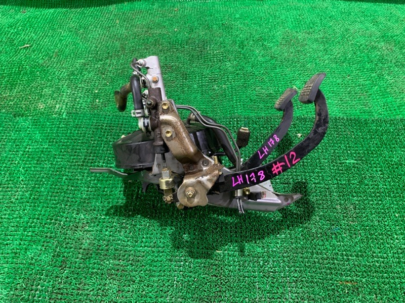 Педаль сцепления Toyota Hiace LH178 5L 2005 (б/у)