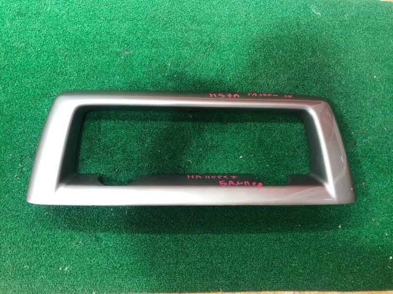 Накладка на бампер Mitsubishi Pajero Junior H57A (б/у)