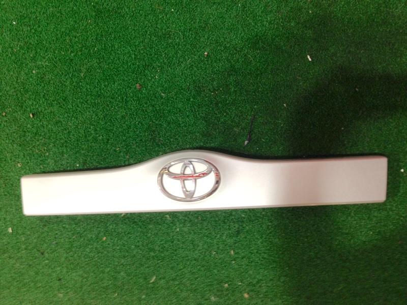 Планка багажника Toyota Prius NHW20 (б/у)