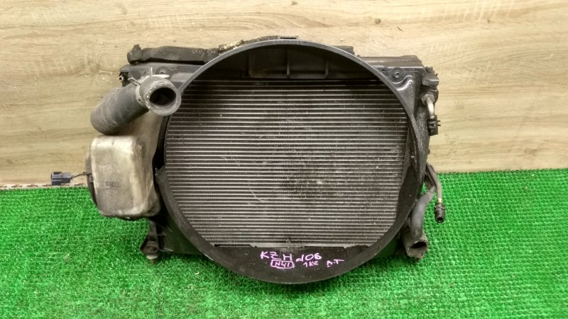 Радиатор Toyota Hiace KZH106 1KZ (б/у)