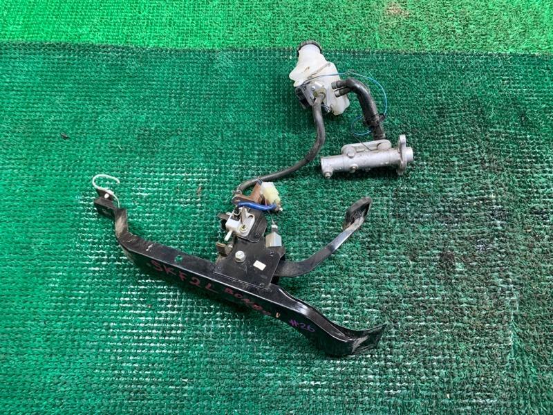 Педаль сцепления Mazda Bongo SKF2L RF (б/у)