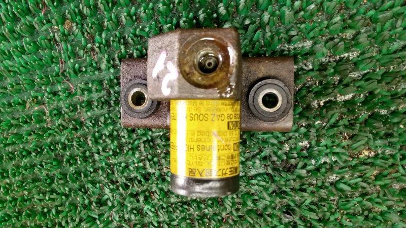 Датчик контроля высоты Toyota Land Cruiser UZJ100-0140181 2UZ-FE 2002 (б/у)