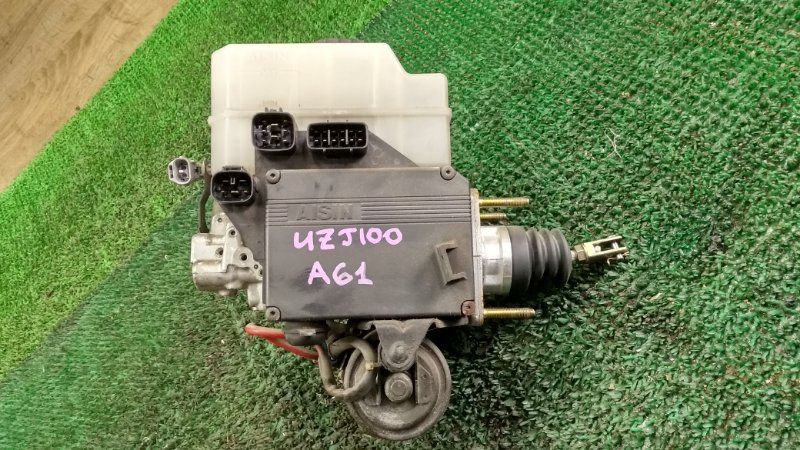 Главный тормозной цилиндр Toyota Land Cruiser UZJ100 2UZ-FE 2002 (б/у)
