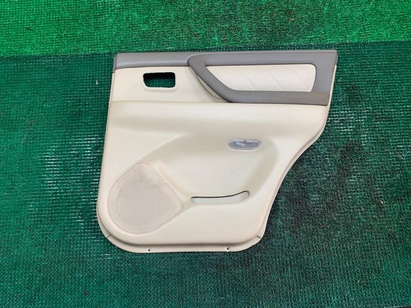 Обшивка дверей Toyota Land Cruiser UZJ100 2UZ-FE 2002 задняя правая (б/у)