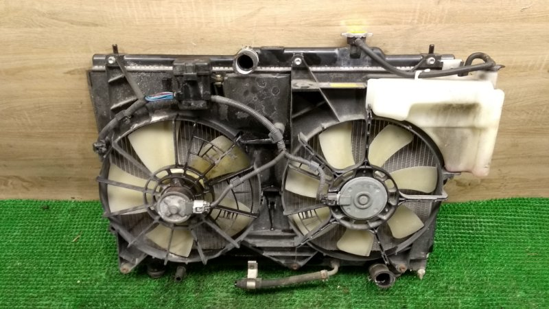 Радиатор Toyota Estima ACR40 2AZ-FE (б/у)