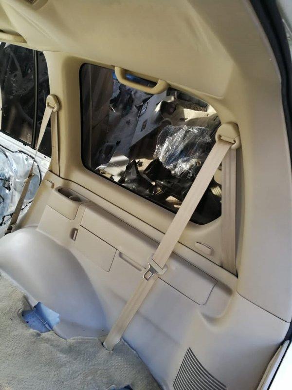 Обшивка багажника Toyota Land Cruiser UZJ100 2UZ-FE 2002 правая (б/у)