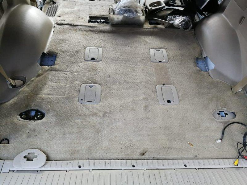 Коврик багажника Toyota Land Cruiser UZJ100 2UZ-FE 2002 (б/у)