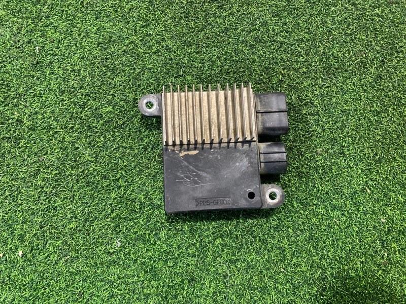 Блок управления вентиляторами Toyota Hiace KDH200 (б/у)