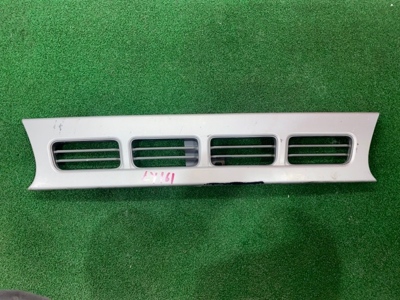 Решетка Toyota Dyna LY161 3L (б/у)