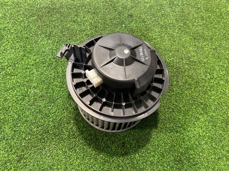 Мотор печки Nissan Wingroad Y12 (б/у)