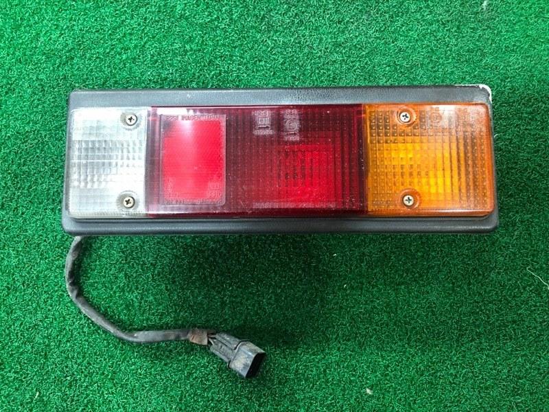 Стоп сигнал Mitsubishi Canter FD501B правый (б/у)