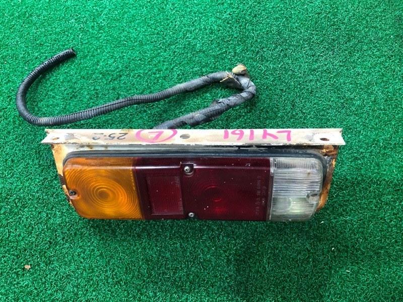 Стоп сигнал Toyota Hiace LY161 левый (б/у)
