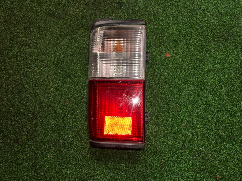 Стоп сигнал Mazda Bongo SK82M левый (б/у)