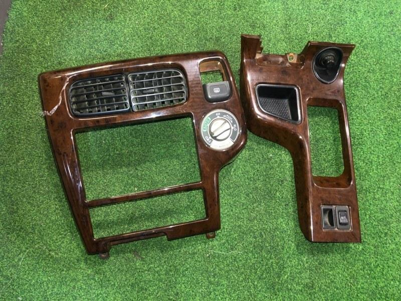 Консоль магнитофона Nissan Terrano TR50 (б/у)
