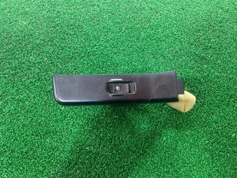 Кнопка стеклоподъемника Nissan Safari Y60 задняя правая (б/у)