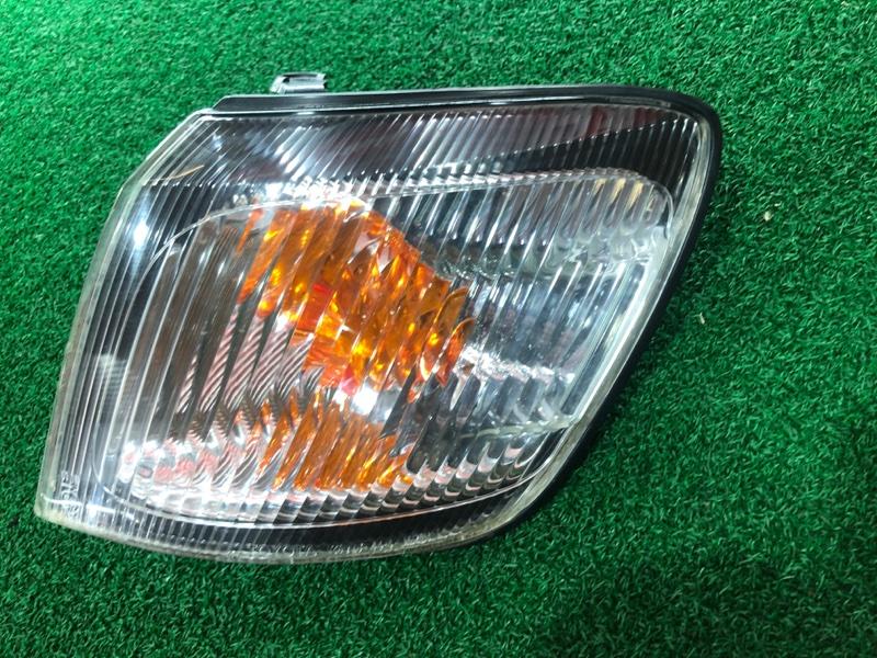 Габарит Toyota Ipsum SXM10 левый (б/у)