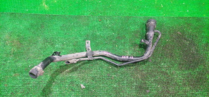 Горловина топливного бака Toyota Ipsum SXM15 (б/у)