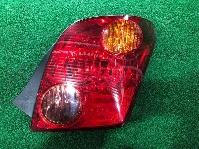 Стоп сигнал Toyota Ist NCP65 правый (б/у)