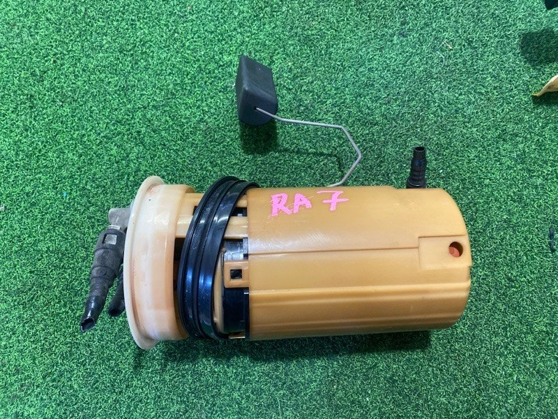 Топливный насос Honda Odyssey RA7 F23A (б/у)