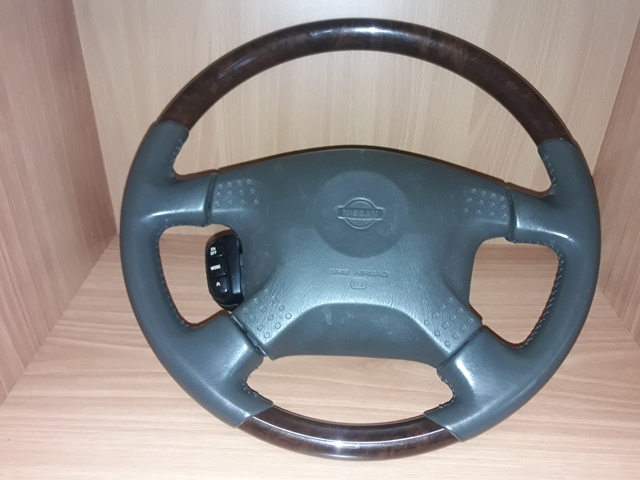 Руль Nissan Laurel HC35 (б/у)