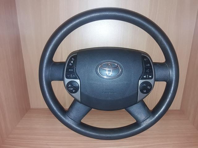 Руль Toyota Prius NHW2O (б/у)