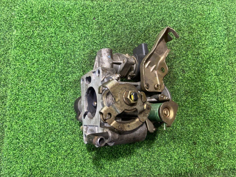 Дроссельная заслонка Nissan Cube AZ10 CGA3 (б/у)