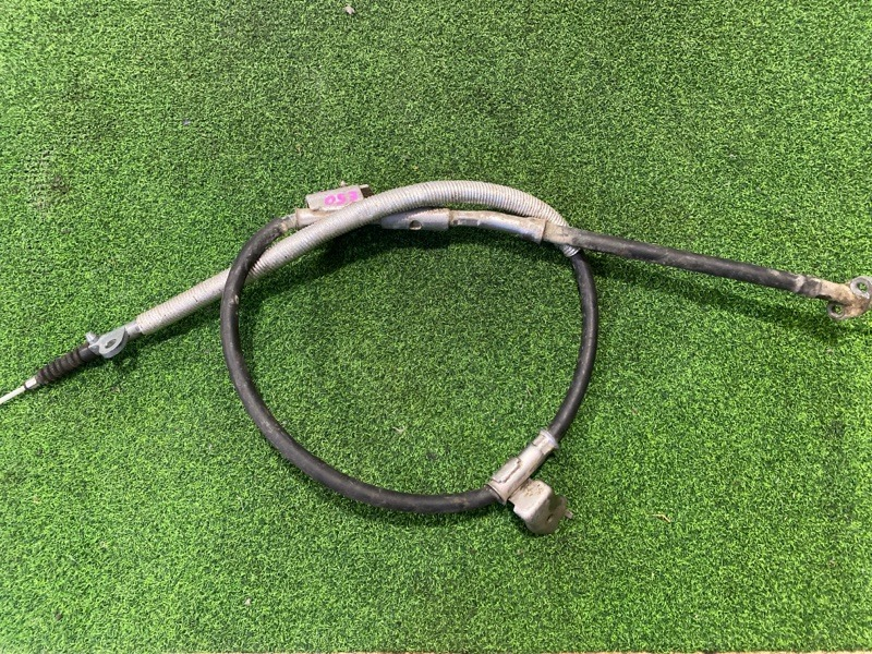 Тросик ручника Nissan Elgrand E50 правый (б/у)