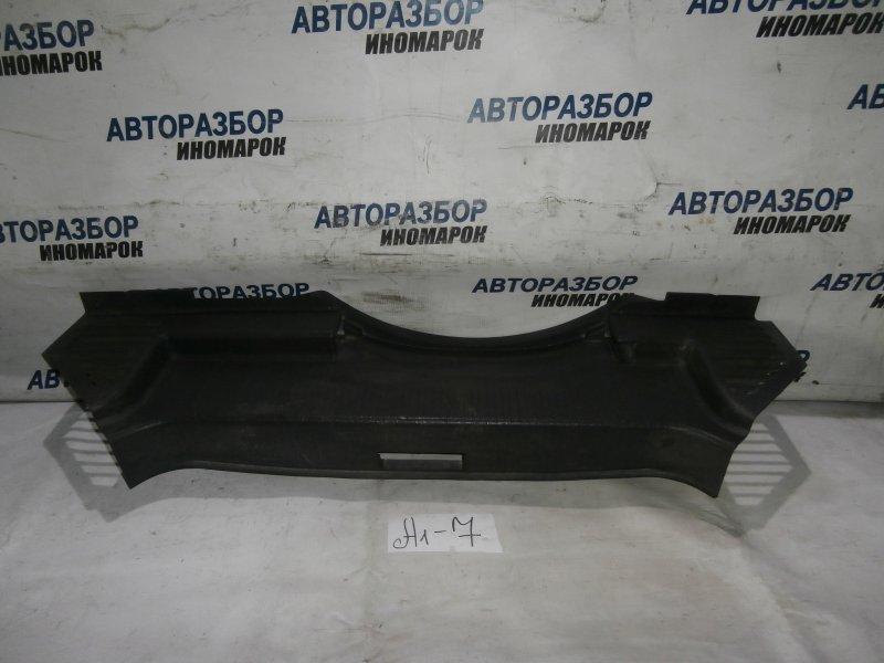 Накладка панели багажника Opel Astra H L48 X18XER 2007 задняя (б/у)