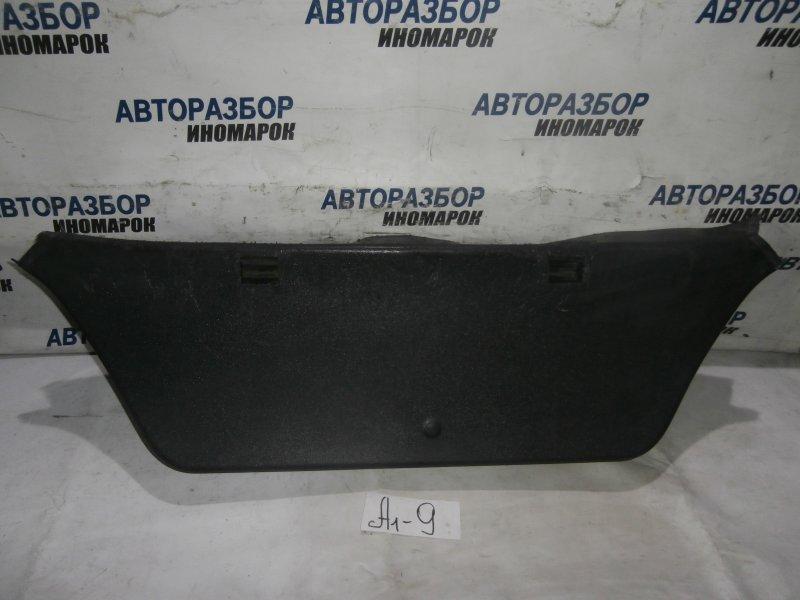 Обшивка двери багажника Opel Astra H L48 X18XER 2007 задняя (б/у)