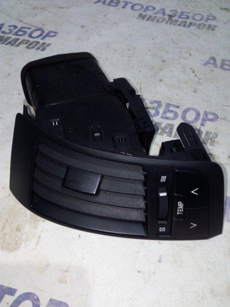 Дефлектор обдува салона Toyota Land Cruiser GRJ200 1VDFTV 2009 передний правый (б/у)