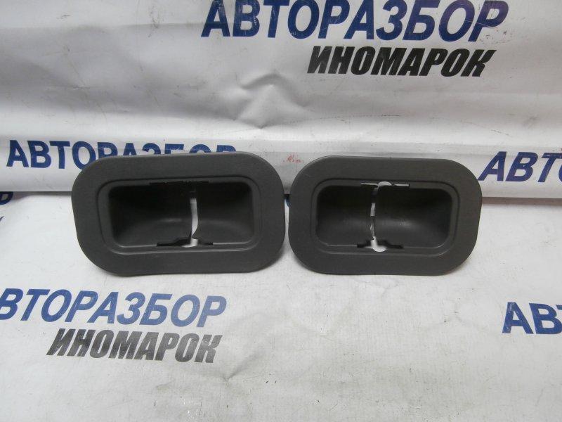 Заглушка пола Toyota Land Cruiser GRJ200 1GRFE 2009 задняя правая нижняя (б/у)