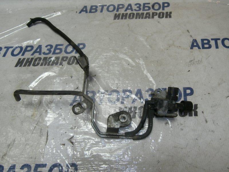 Клапан вакуумный Toyota Land Cruiser VDJ200 1VDFTV 2009 передний правый верхний (б/у)